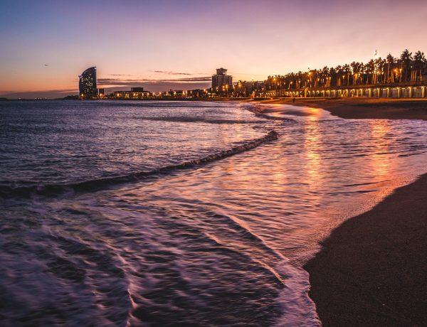 Playa de Barcelona de noche